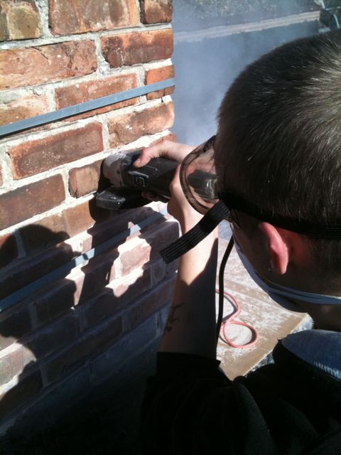 tuck pointing a chimney